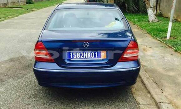 Acheter Voiture Mercedes-Benz C-Class Bleu à Abidjan en Abidjan